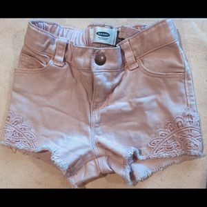 Old Navy: Powdered pink shorts‼️ Size:2T